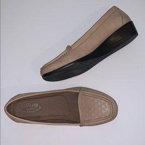 🐾Eastland Tan Grace Wedge Loafers Sz 8